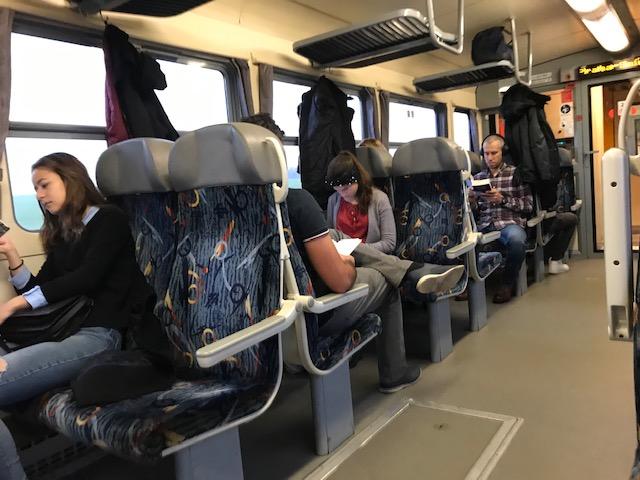 Cestující s mobily