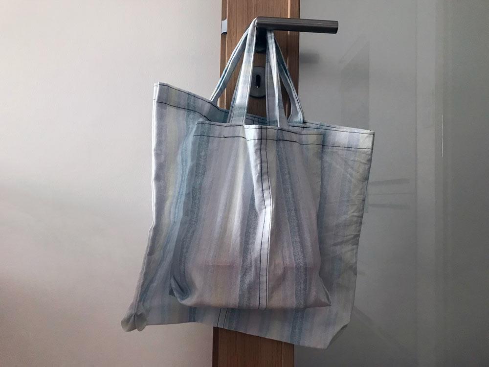 Vlastnoručně ušité tašky z prostěradla