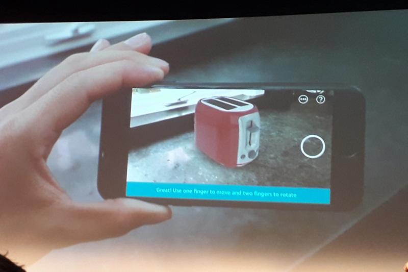 Amazon - virtuální pasování produktů